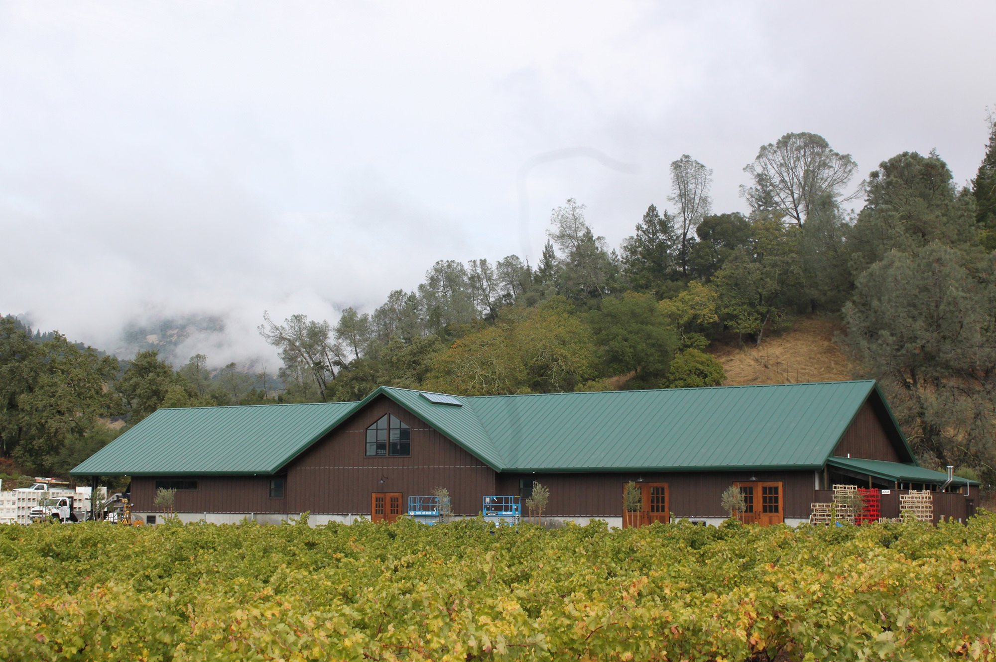 Exterior of Venge Vineyards Winery in Calistoga