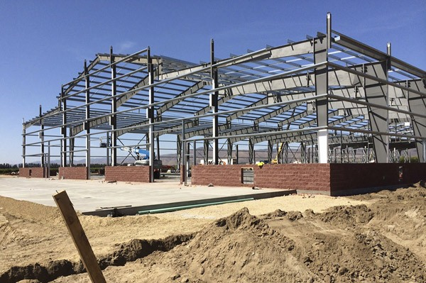 Construction Of Steel Buildings: The Benefits Of Pre-Engineered Metal Buildings